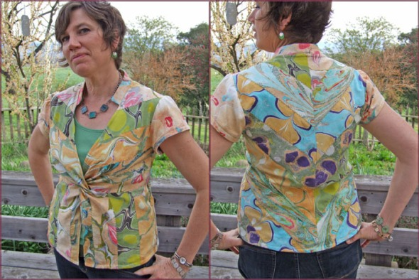 Here is the blouse I made by sewing strips of my marbled fabric